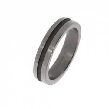 5255500-1 TITANRING - B:5 MM Ring med lett børstet overflate - 100% allergifri.